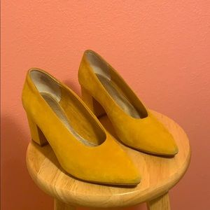 Used mustard Seychelles heels